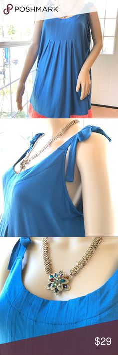 """Cable & Gauge River Blue Tank in SIZE XL with ties Cable & Gauge River Blue Tank in SIZE XL with ties.  40"""" bust, 27.5 length. 95% Viscose, 5% Spandex. Really soft! Really cool. Cable & Gauge Tops Tank Tops"""