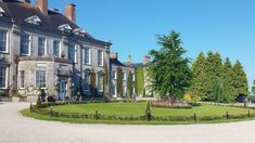 Looking for castle wedding venues in Ireland? We've put together a list of our favourite Irish wedding castles to get your started on your search! Event Venues, Wedding Venues, Irish Wedding, Blue Books, Europe, Corporate Events, Ireland, Castle, Mansions