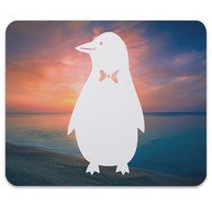 Mauspad Druck Pinguin aus Naturkautschuk  black - Das Original von Mr. & Mrs. Panda.  Ein wunderschönes Mouse Pad der Marke Mr. & Mrs. Panda. Alle Motive werden liebevoll gestaltet und in unserer Manufaktur in Norddeutschland per Hand auf die Mouse Pads aufgebracht.    Über unser Motiv Pinguin  Pinguine, die süßen Tiere im schicken Wrack, gehören zu den Seevögeln, obwohl sie nicht fliegen können. Kaiserpinguine ist mit 30 000 Federn der Vogel mit den meisten Federn weltweit. Sie leben weit…