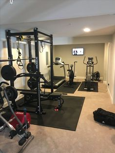 Amazing basement gym - Gym room - Home Gym Home Gym Basement, Home Gym Garage, Diy Home Gym, Gym Room At Home, Home Gym Decor, Basement Remodeling, Remodeling Ideas, Basement Workout Room, Basement Flooring