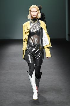 Blindness Seoul Fall 2017 Collection Photos - Vogue