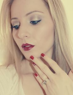 We adore this #fall inspired look by Beauty Pro @K Squared Glamour on @Bloom.com   #redlips #rednails