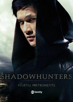 "shumsjrtrash: ""Harry Shum Jr as Magnus Bane "" Shadowhunters Series, Shadowhunters The Mortal Instruments, Malec Kiss, Freeform Tv Shows, Broken Nose, Simon Lewis, Weak In The Knees, Alec Lightwood, The Dark Artifices"