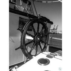 #elcano #JSElCano #armadaespañola #infanteriademarina #igerscadiz #cadiz #ardillafisgona #iphone4 #15 #sea #ship #barco --- instagram @ardillafisgona