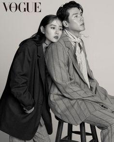 Hyun Bin and Son Ye Jin in Vogue Korea September 2018 Korean Couple Photoshoot, Pre Wedding Photoshoot, Vogue Korea, Couple Posing, Couple Shoot, Asian Actors, Korean Actors, Kim Young Min, Mother Photos