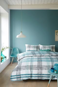 A little blue color in the room is always welcome! And a shade that gained prominence years ago and is still widely used when it comes to decoration is Bedroom Wall Colors, Room Design Bedroom, Home Room Design, Blue Bedroom, Home Decor Bedroom, Bedroom Furniture, Paint Colors For Home, Interior Design Living Room, Simple Interior