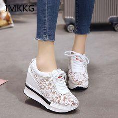 37b906c9388 Venta caliente 2018 de verano nuevo encaje zapatillas transpirable de  deporte de las mujeres zapatos cómodos zapatos casuales de plataforma de  Mujer Zapatos ...