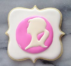 Great tutorial on using a template to decorate cookies