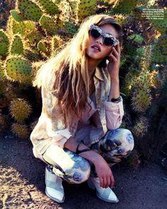 cactus fashion photography - Buscar con Google