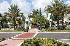 St. Armands Circle, Sarasota, FL  Photo by Nita Ettinger