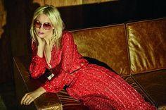 A @ateenloja recebe na próxima quarta-feira (12.04) a segunda parte do seu inverno 2017. A coleção revisita suas próprias raízes e leva para as peças sua inspiração frequente no rock nroll. Tendo como pano de fundo a série de televisão americana Vinyl que retrata os bastidores de uma gravadora dos anos 70 em Nova York a coleção destaca elementos do estilo glam rock.  via HARPER'S BAZAAR BRAZIL MAGAZINE OFFICIAL INSTAGRAM - Fashion Campaigns  Haute Couture  Advertising  Editorial Photography…
