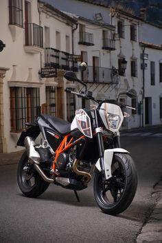 KTM | Duke 690 #KTM #Duke