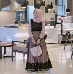 Satin Kebaya Modern Hijab, Dress Brokat Modern, Kebaya Muslim, Muslim Hijab, Muslim Dress, Hijab Mode Inspiration, Hijab Stile, Hijab Dress Party, Model Kebaya