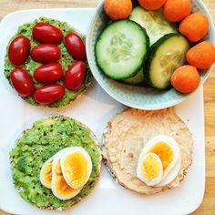 Quinoa Rice Cakes With Y Hummus