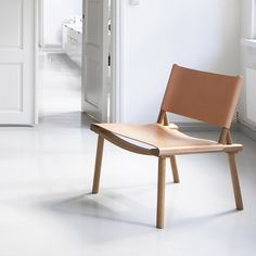 December chair is designed by Jasper Morrison and Wataru Kumano. The chair is comfortable and thanks to its simplistically scandinavian design it suits both in modern and more traditional interiors.