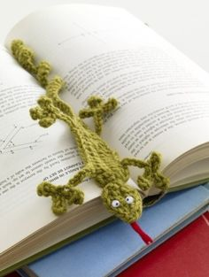 Free Crochet Pattern: Gecko Bookmark crafted in one of my fav color yarns from Lion Brand®...lemongrass. I think I am going to tweak him just a bit into a gator bookmark for all of my GO GATOR buds. ¯\_(ツ)_/¯