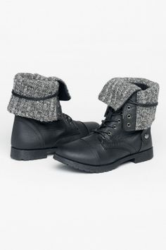 Warm folded laced boots - Boots - Shoes