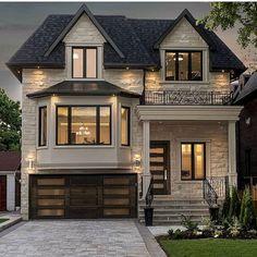 70 Most Popular Dream House Exterior Design Ideas – Ideaboz – Home – - Traumhaus Future House, My House, House Front, Garage House, Dream House Exterior, House Ideas Exterior, House Exteriors, Exterior Homes, Home Designs Exterior