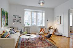 itämainen matto ja vintage-tuolit