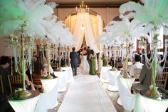 From candelabras and white-glove waiters to feathers and big bands, Great Gatsby will be a big theme for weddings in 2014. Description from hermosainn.com. I searched for this on bing.com/images