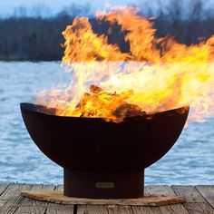 Shop outdoor fire pits, wood-burning fire pits and propane gas fire pits, and fire pit tables, fire pit covers, fire bowls and more backyard fire pit ideas. Fire Pit Art, Fire Pit Bowl, Fire Pit Ring, Diy Fire Pit, Fire Bowls, Fire Pit Backyard, Fire Pits, Pit Bbq, Steel Fire Pit