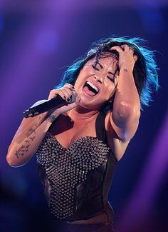 Demi Lovato - vevo certified super fan fest singing on stage