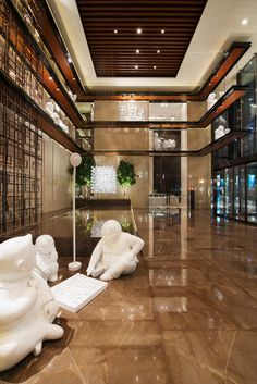 Grand Hyatt Shenyang designed by Hirsch Bedner Associates. Lighting design by Illuminate. Lobby Interior, Interior Architecture, Ceiling Design, Wall Design, Lobby Design, Lounge Design, Interior Decorating, Interior Design, Hotel Interiors