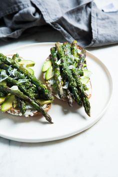 Avocado and Asparagus Tartines with Basil Pesto