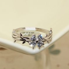 Platinum Plated Twisted Finger Ring, with AAA Zircon Four-Leaf Clover Findings, Platinum