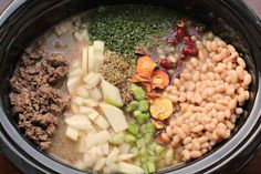 Easy Crock Pot Recipes - Olive Garden Pasta E Fagioli Soup {Copy Cat Recipe} - One Hundred Dollars a Month Crock Pot Cooking, Crock Pot Slow Cooker, Slow Cooker Recipes, Crockpot Recipes, Soup Recipes, Cooking Recipes, Chili Recipes, Cooking Ideas, Drink Recipes