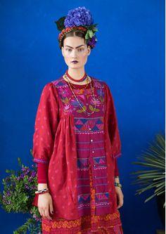 Inspiration Frida Kahlo – Gudrun Sjödén - Swedish design with a green soul & online Ethnic Fashion, Boho Fashion, Fashion Beauty, Womens Fashion, Boho Outfits, Fashion Outfits, Gudrun, Bohemian Mode, Mexican Dresses