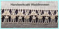 minder makkelijk         Voor deze zoom haal je draden uit tot een hoogte van 1,8 cm. Bij 12 draden per cm is dat 20 draden. Bundel drie dra... Hardanger Embroidery, Embroidery Stitches, Embroidery Designs, Drawn Thread, Thread Work, Gold Work, Needle Lace, Bargello, Weaving Techniques