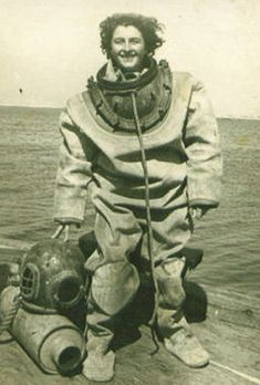DivingHeritage - the worlds largest virtual diving helmet museum