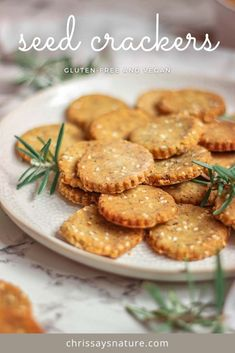 Super simple gluten-free seed crackers Gluten Free Crackers, Gluten Free Snacks, Vegan Gluten Free, Gluten Free Recipes, Vegetarian Recipes, Healthy Recipes, Best Vegan Snacks, Healthy Snacks, Vegan Gingerbread