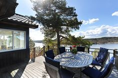 Havsutsikt to die for - Sommarinspiration Stockholm Travel, Stockholm Archipelago, Outside Seating, Outdoor Tables, Outdoor Decor, Swedish Style, Terrace Garden, Interior And Exterior, Architecture Design