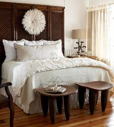 What a fabulous idea - folding screen as headboard. This just solved a year-long problem. I love this entire bedroom.