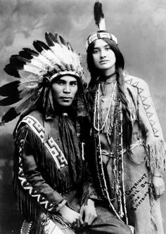 Native North American couple, Situwuka and Katkwachsnea portraits of beautiful Native American peoples Native American Beauty, Native American Photos, Native American Tribes, Native American History, American Indians, American Women, American Symbols, American Life, American Clothing