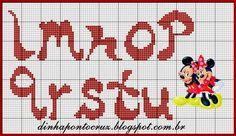 ENCANTOS EM PONTO CRUZ: MONOGRAMA Cross Stitch Alphabet, Cross Stitch Samplers, Cross Stitch Embroidery, Cross Stitch Patterns, Monster Fancy Dress, Alfabeto Disney, Disney Letters, Lilo E Stitch, Alphabet Design
