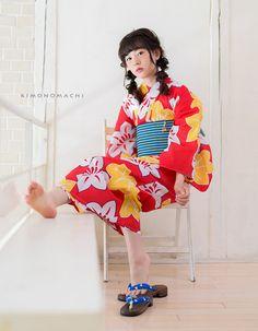 浴衣set4:赤色鉄線 Japanese Uniform, Japanese Outfits, Japanese Kimono, Sexy Asian Girls, Beautiful Asian Girls, Japanese Beauty, Asian Beauty, Yukata Kimono, Japan Woman