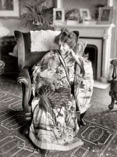 """""""Alda relaxing at home."""" The soprano Frances Alda in 1909, a year before she married Metropolitan Opera manager Giulio Gatti-Casazza. She was said to have """"a temper as red as her hair."""""""