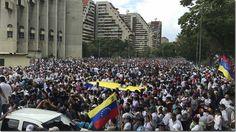"""""""Esa gente que marcha""""; por Carleth Morales Senges http://www.inmigrantesenmadrid.com/esa-gente-que-marcha-carleth-morales-senges/"""