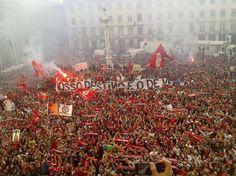 Benfica - O NOSSO DESTINO É O DE VENCER! Portugal, Sports Clubs, Football Fans, Lisbon, Portuguese, Christmas Tree, Holiday Decor, World, Pictures
