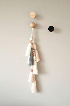 Wall Hanging, Tassel Wall Hanging, Tassels - Hang on closet door or balcony door Knob Boho Diy, Boho Decor, Diy Tassel, Tassels, Home Crafts, Diy Crafts, Diy Décoration, Diy Projects To Try, Diy Wall