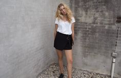 OUTFIT | THE PERFECT LACE UP SKIRT