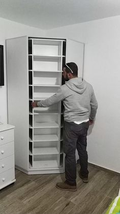 Reduce Fuss And Stay Organized With Diy Shoe Rack - Daily Do It Yourself Wardrobe Design Bedroom, Closet Bedroom, Shoe Rack In Closet, Shoe Rack Room, Kitchen Wardrobe Design, Master Closet Design, Shoe Room, Closet Shoe Storage, Closet Drawers