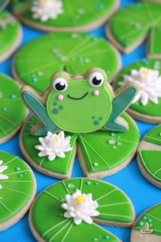 Cut out matcha sugar cookie recipe, ideal as a base for cookie decorating. Light green color matches well with frog and lily pad cookies. Frog Cookies, Fancy Cookies, Iced Cookies, Cute Cookies, Royal Icing Cookies, Sugar Cookies Recipe, Cookies Et Biscuits, Cookie Recipes, Summer Cookies