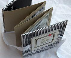 Upps, ganz vergessen zu zeigen - das klitzekleine Minialbum mit Papieren aus dem Januar-Kit der pap ierwerkstatt ! Schön griffig mit fest ...
