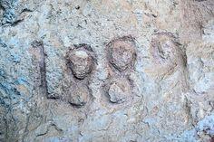 1889 in rock  Grabado en el tobazo.  #ruideratreasures