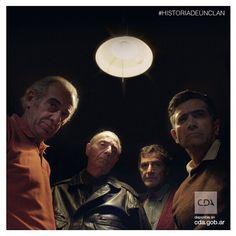 Miralos, están tramando algo. #HistoriaDeUnClan #Clan #Puccio #Series #FicciónNacional #Ficción #ContenidosDigitales #SeriesTV #VideosaDemanda     Disponible en #CDA