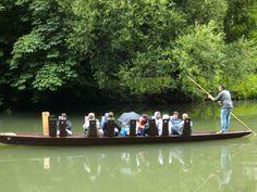 Venedig zu weit? Auch in Tübingen kannst du eine romantische Flussfahrt genießen. #Tübingen #Stocherkahn
